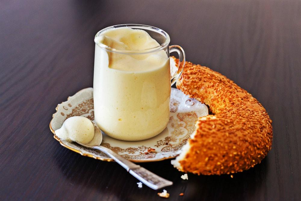 Gogli, die armenische Frühstückscreme