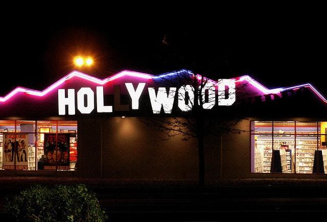 "Silent Night? – Olivia Newton Johns und John Travoltas ""This Christmas"""