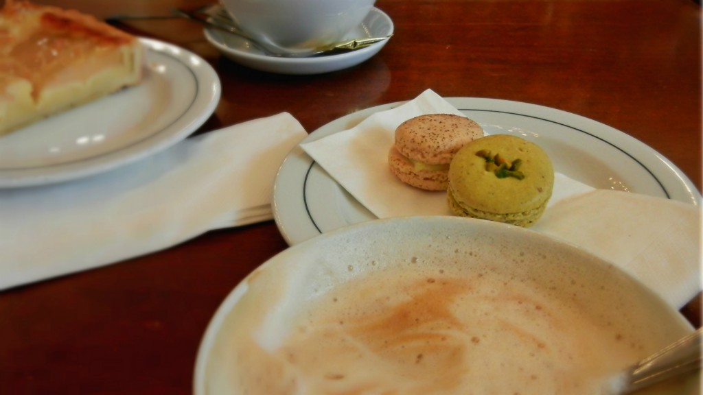 Café Paris: Klein-Frankreich mitten in Hamburg