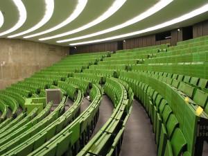 Sind die Hörsäle durch die Anwesenheitspflicht bald wieder voll?/ (CC) Foto: reingestalter/ flickr
