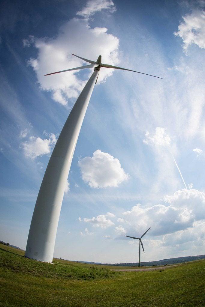 Erneuerbare Energien sind ja schön und gut - aber das reicht nicht! (CC) Foto: Andre Rieck/Flickr
