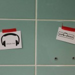 "ExpEARience macht Werbung auf dem Campus / (c) Foto: Seminar ""Ways to our ears-WS13/14 Lüneburg"""