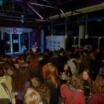 Wonhzimmerkonzert vor Café 9 mit den Besuchern des ExpEARience / (c) Foto: Pia Köber