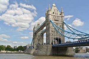 Nein, dieses Bild wurde nicht bearbeitet, die Tower Bridge ist wirklich blau./ (CC) Foto: Selin Özcakir