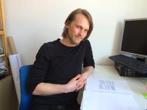 AStA-Sprecher Jasper Kahrs im Gespräch mit der Univativ zum NHG. (C): Christopher Bohlens