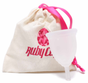 Menstruationstasse / (C) Ruby Cup