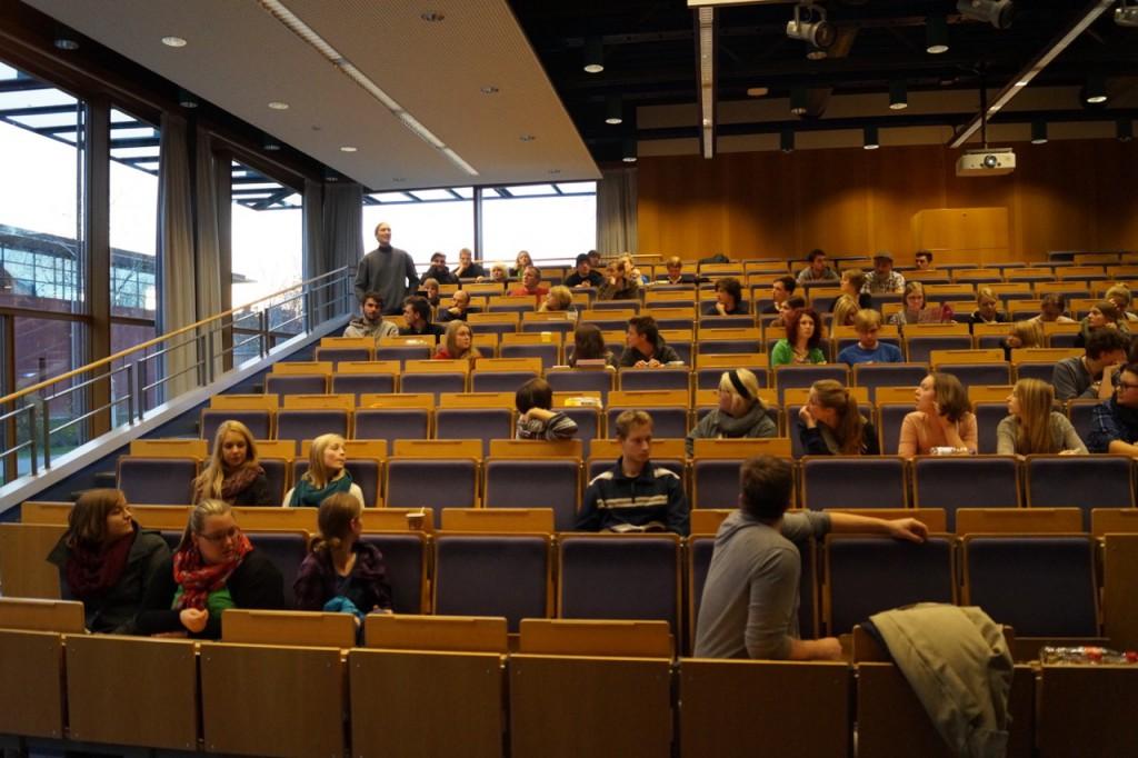 Aufnahme aus einer studentischen Vollversammlung. / (C) Christopher Bohlens