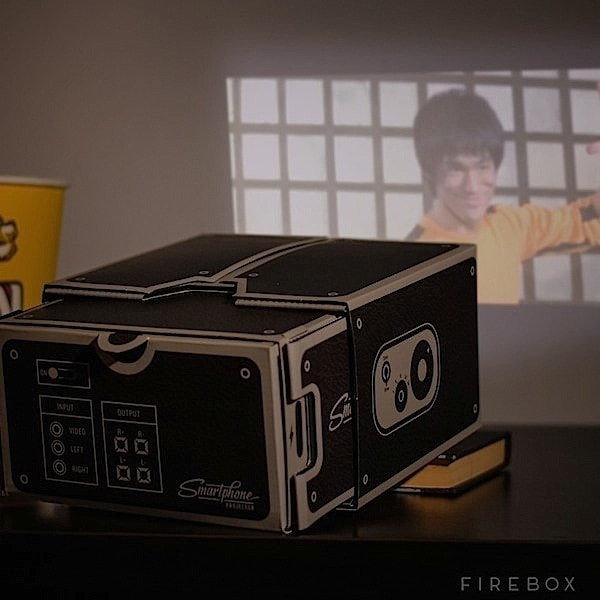 snygo_files-002-cardboardprojector