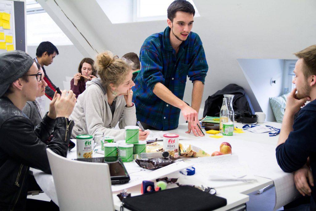 Engagiertes Arbeiten auf dem Startup Weekend Lüneburg / Foto: Lena Schöning