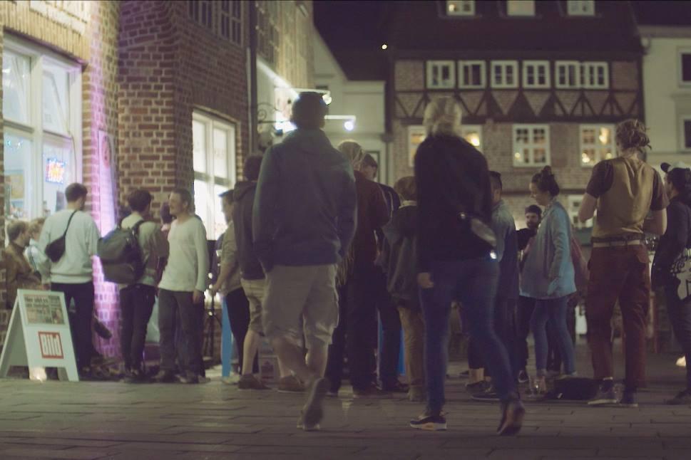 Menschen und Musik bei der Lüneperle / (c) M&H Fotografie