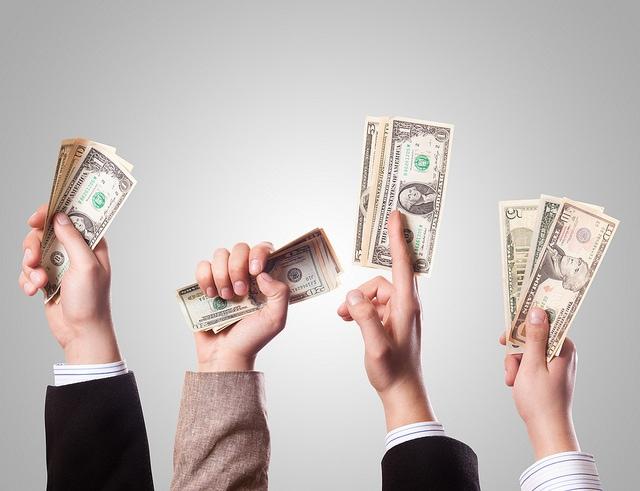 Geld regiert die Welt. Und auch die Uni? / (C) flickr - 401(K) 2012