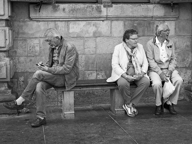 Kein Blick mehr für die Wirklichkeit? / (C) flickr - Theo van Geenen
