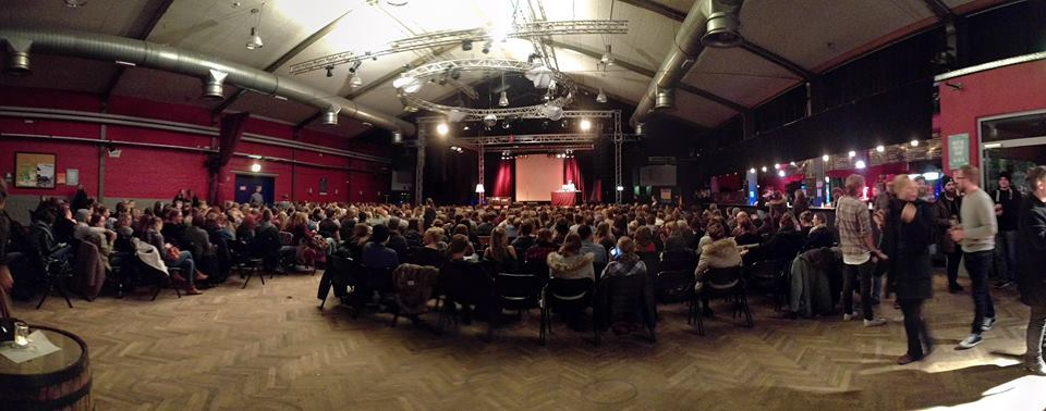 """Best of Poetry Slam im Vamos: """"Kultur ist wie ein großer See, in den alle von außen reinpinkeln."""""""