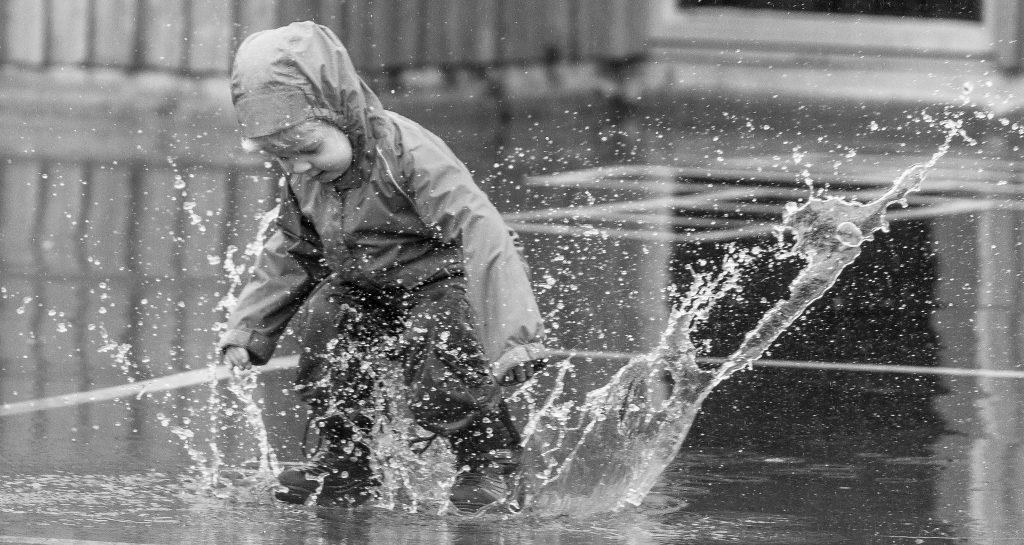 10 Dinge, die du nur an einem Regentag machen kannst