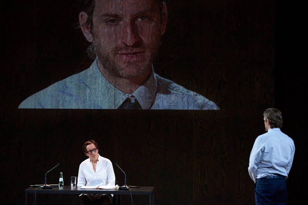 """Wenn das Gesetz versagt – von Schirachs """"Terror"""" als interaktives Theater"""