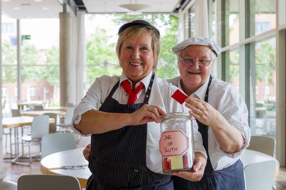 Auf ein Marmeladenglas mit… Barbara Dammann und Angelika Schliemann.