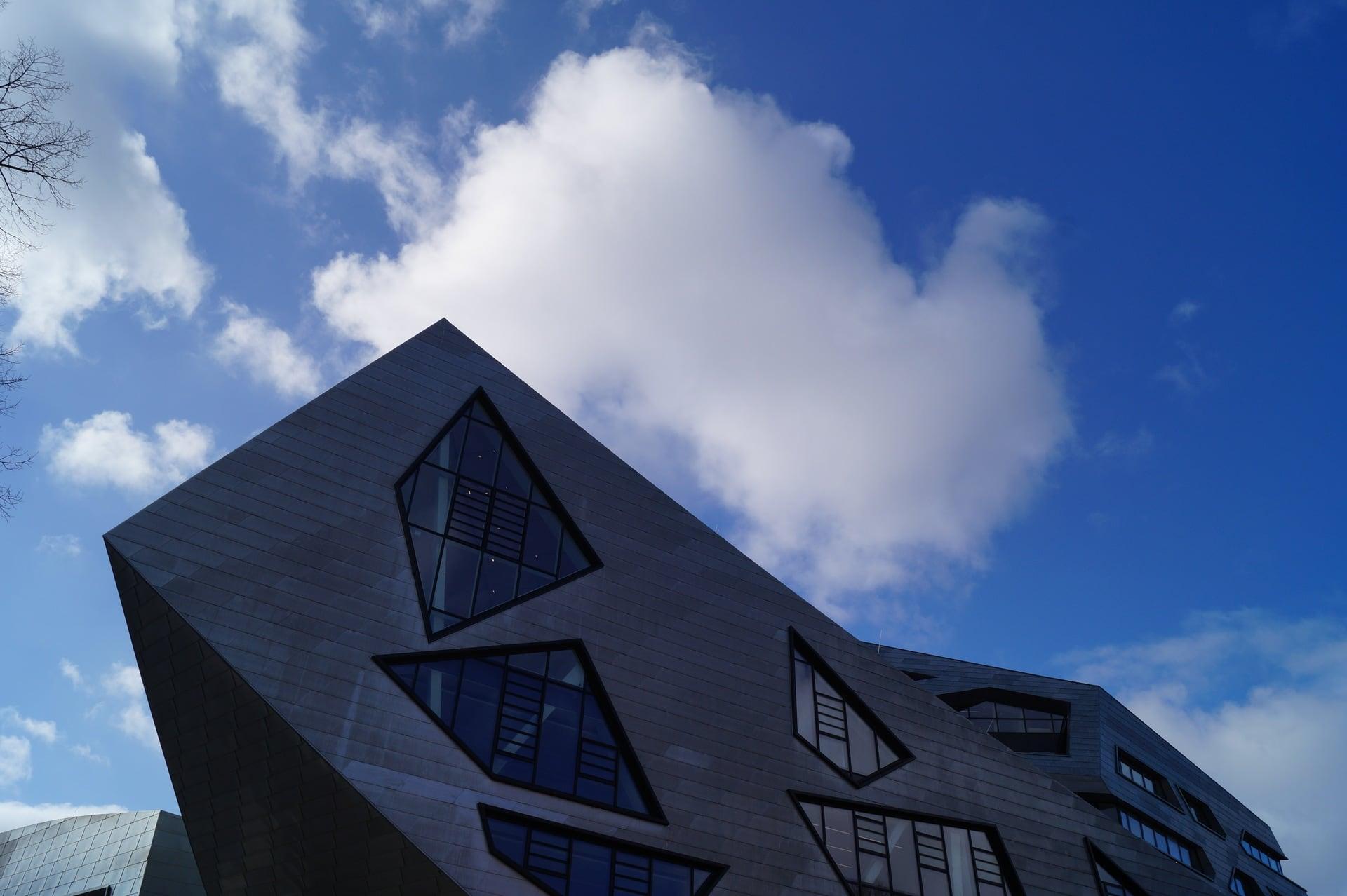 Zentralgebäude der Leuphana Universität Lüneburg - Christopher Bohlens