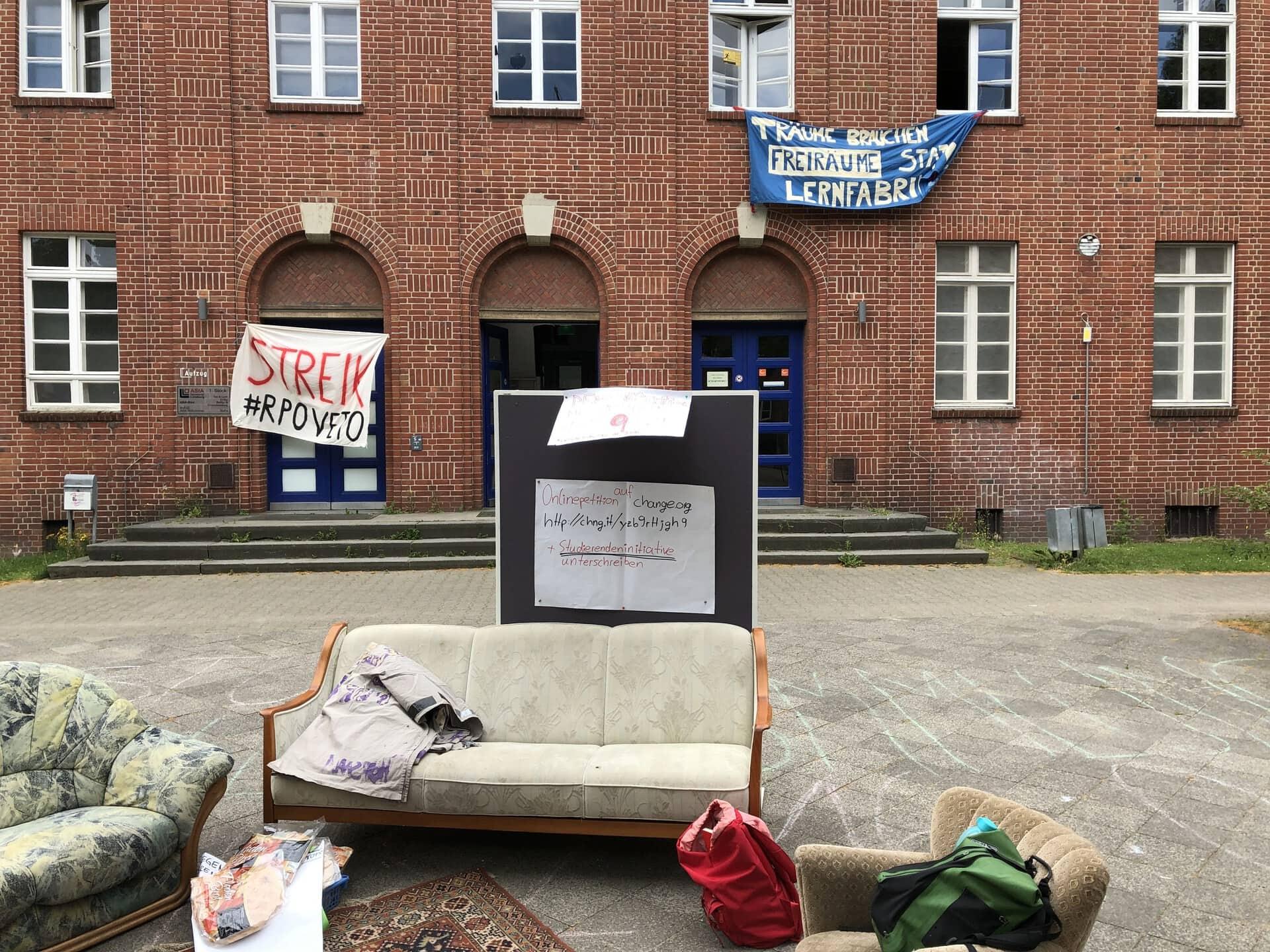 Protest gegen die RPO - Foto Christopher Bohlens