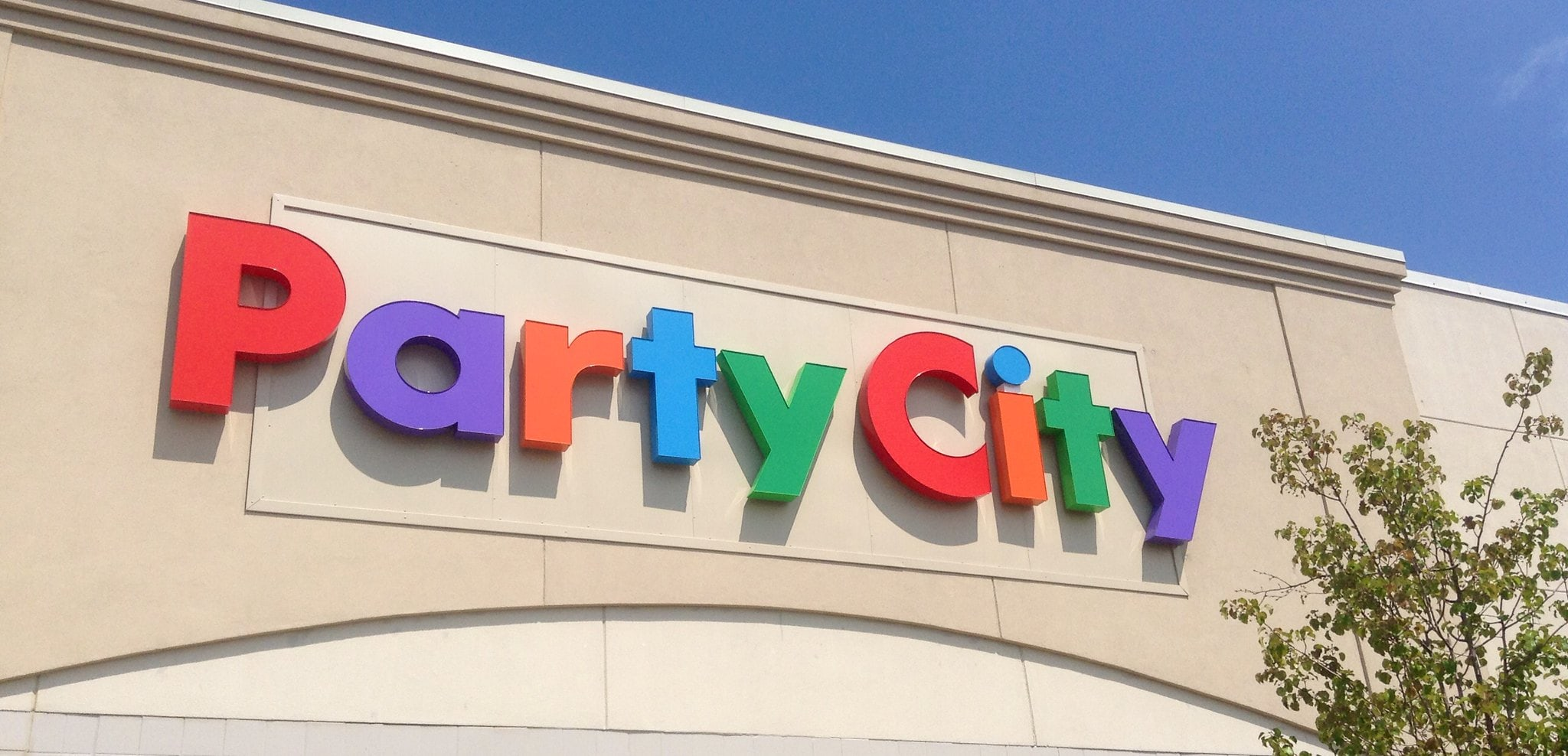 flickr - CC BY 2.0 - Mike Mozart - Party City