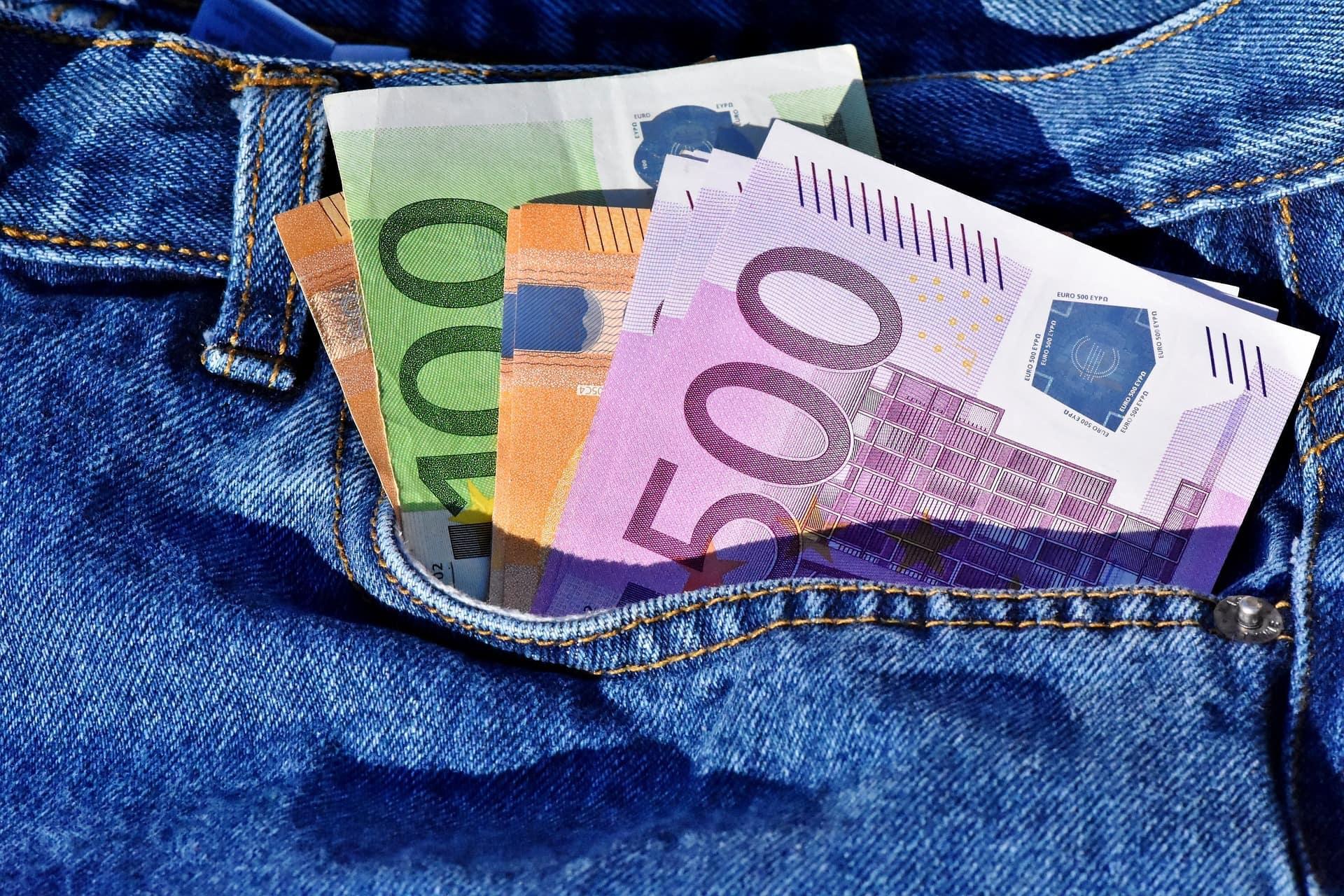 Geld Geldschein Banknote Zahlungsmittel Bündel - (c) Pixabay