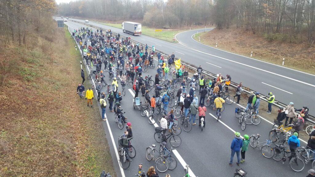 300 Fahrräder für 1,5 °C