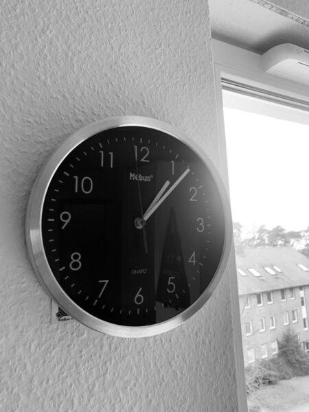 Warum ist die Zeit ein ständiger Konflikt in unserem täglichen Leben?