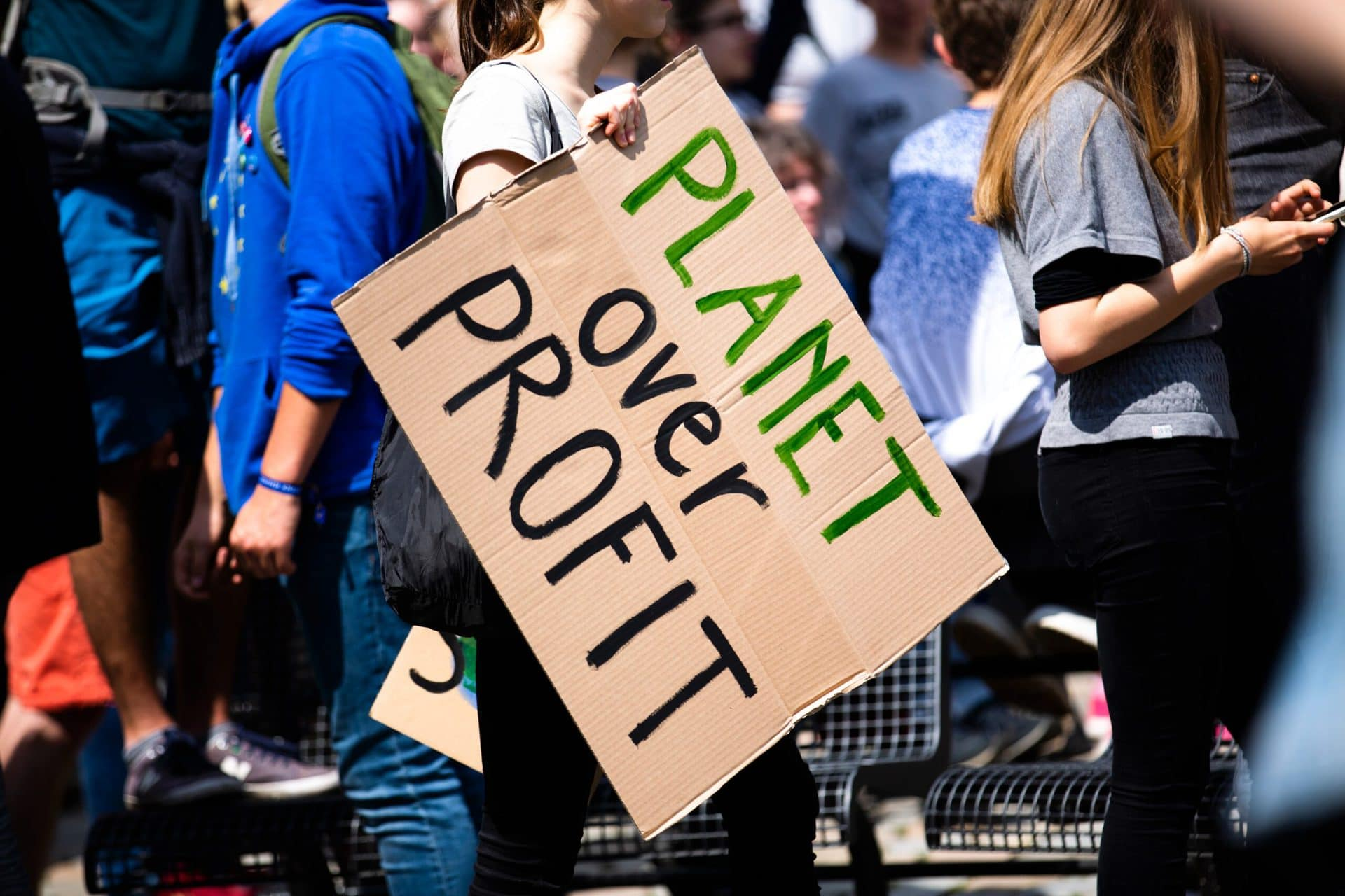 Pexels - CC - Markus Spiske - ,Planet over Profit'